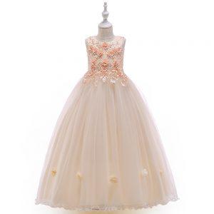 Skaistas kleitas meitenēm