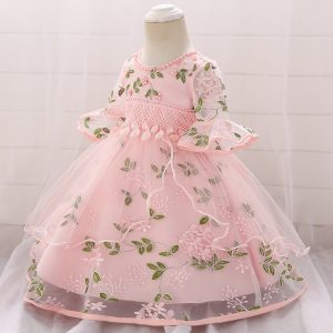 Bērnu kleita svinībām