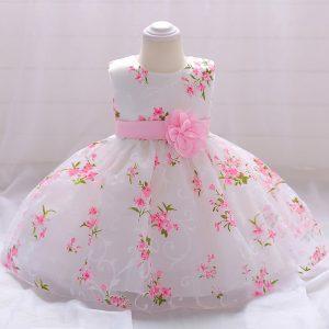 Pirmās ballītes kleitiņa