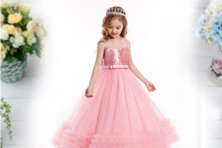 Eleganta kleita svinībām gara