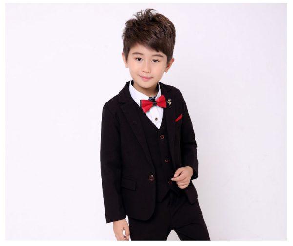 Melns uzvalks zēnam komplektā ar kreklu